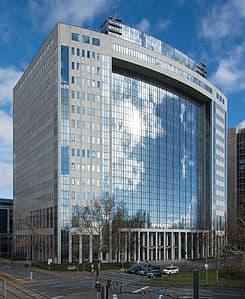 Frankfurt_American_Express_Hochhaus.20140209
