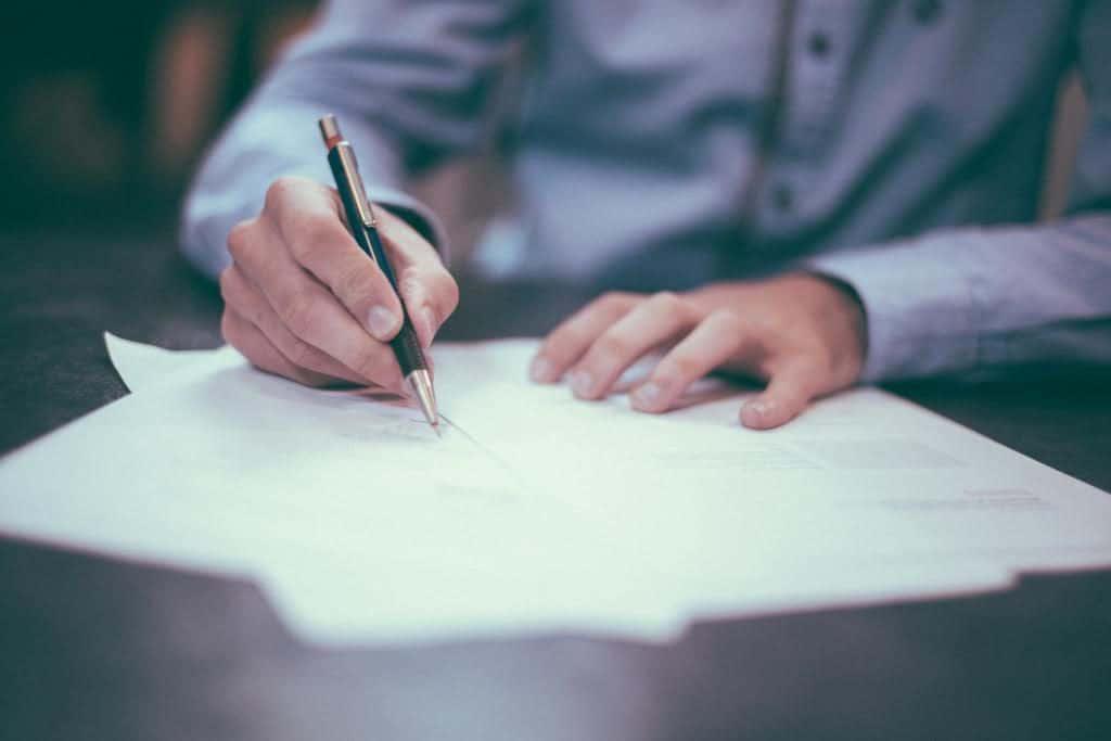 autokauf autokaufvertrag wirksam verbindliche bestellung anwalt pkw kauf rücktritt widerruf