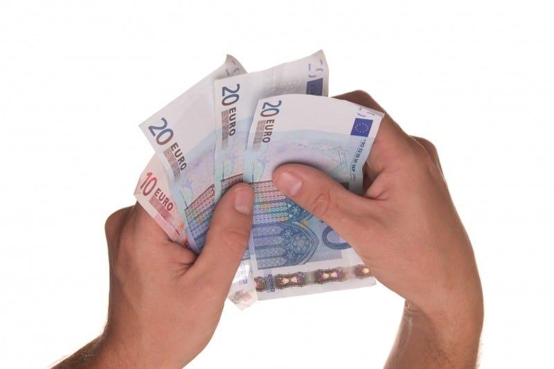 Transportkosten: Käufer kann Zahlung für Transport eines kaputten Autos vom Verkäufer verlangen